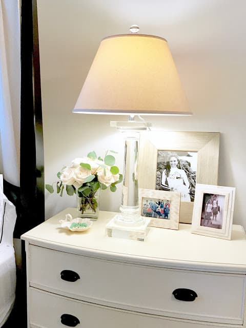 Tips to Style Your Perfect Bedside Table
