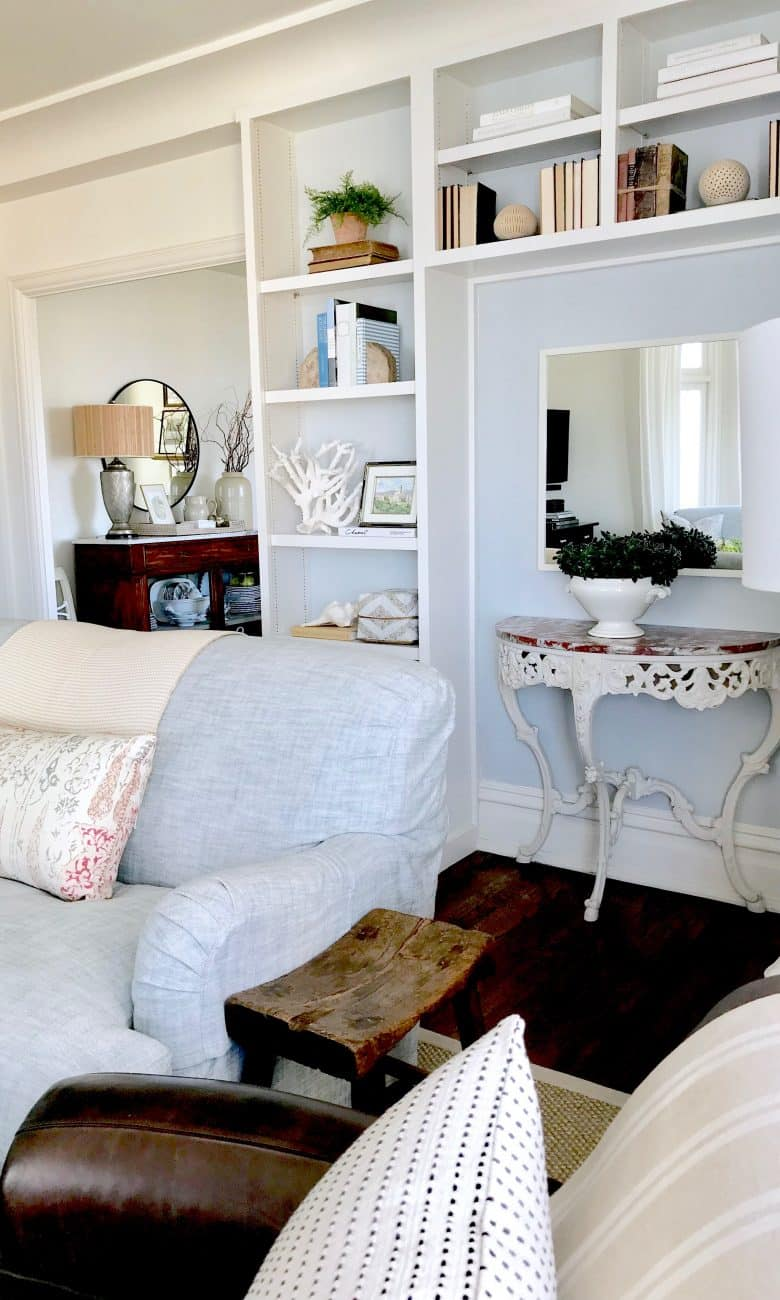 Four Quick Tips to FRESHEN YOUR LIVING ROOM