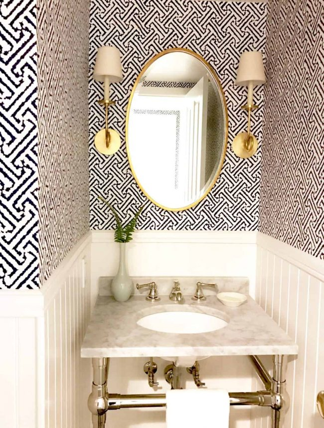Java Java wallpaper in powder room