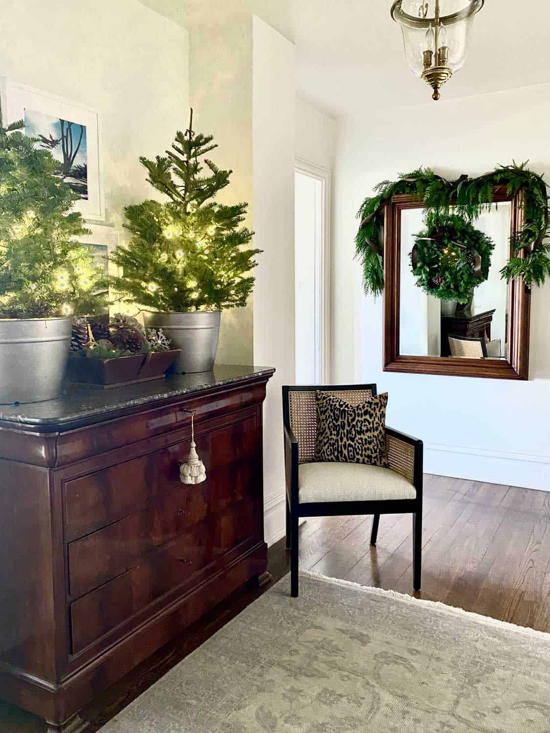 Natural Christmas Decor in the Foyer