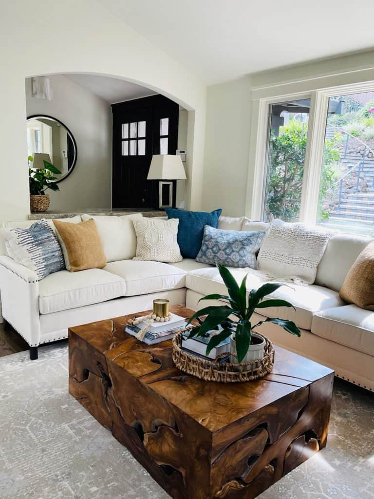 White Lee Industries Sectional