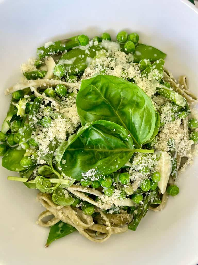 linguini with peas and parmesan