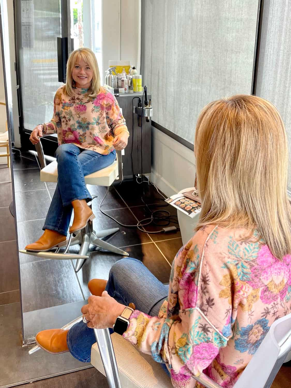cashmere pullover at the hair stylist